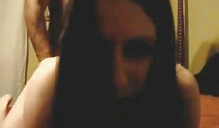 Emelia Payge muestra su figura casadas infieles xx muy bien